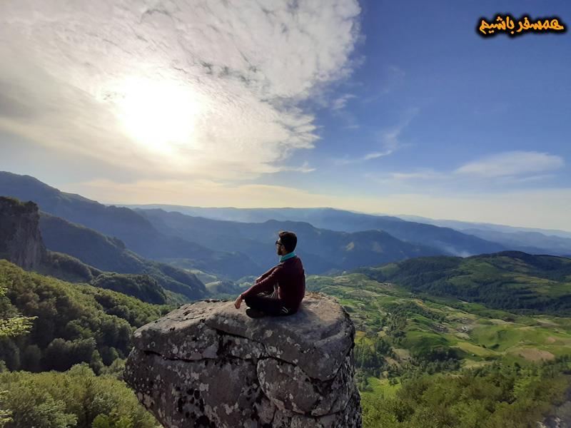 صخره زیبا مسیر سوها به لاتون همسفر باشیم
